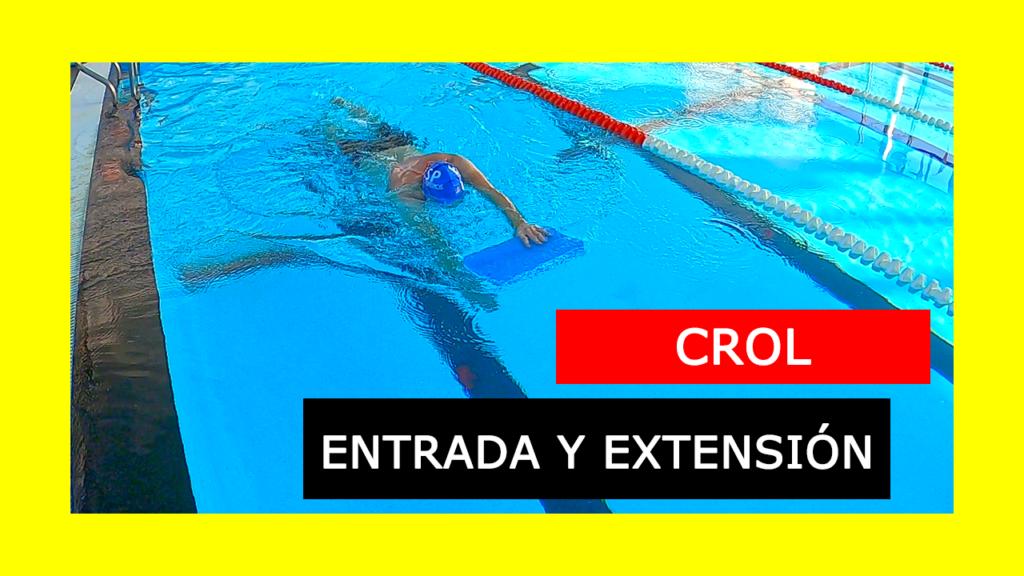 Ejercicio de Crol que ayuda a mejorar la entrada de la mano y extensión del brazo en el estilo libre de natación.
